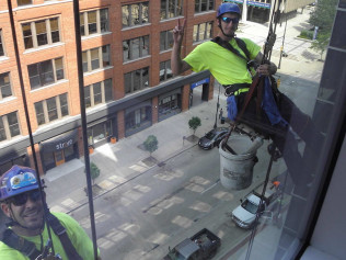 window washing grand rapids mi
